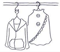 S字フックで衣類を互い違いに掛けて収納
