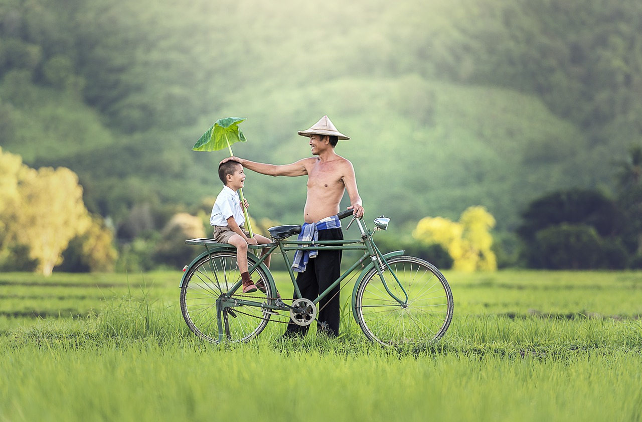 自転車と親子